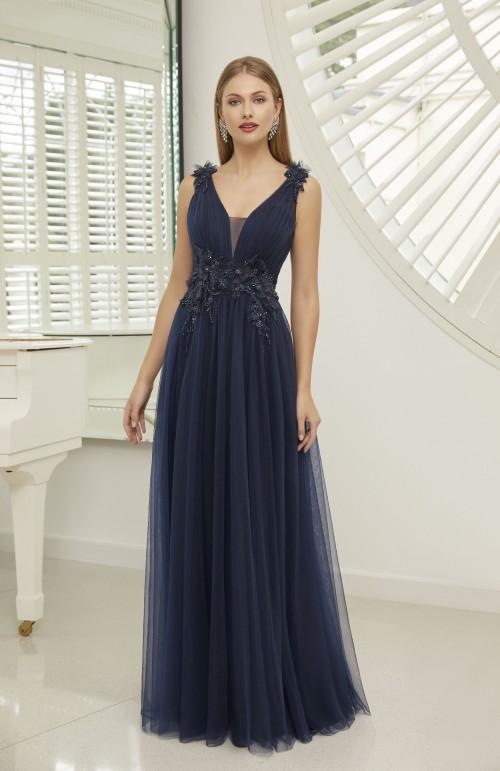 Kleid in A-Linie mit tiefem Dekolleté und Chiffon-Rock von Ronald Joyce in Blau