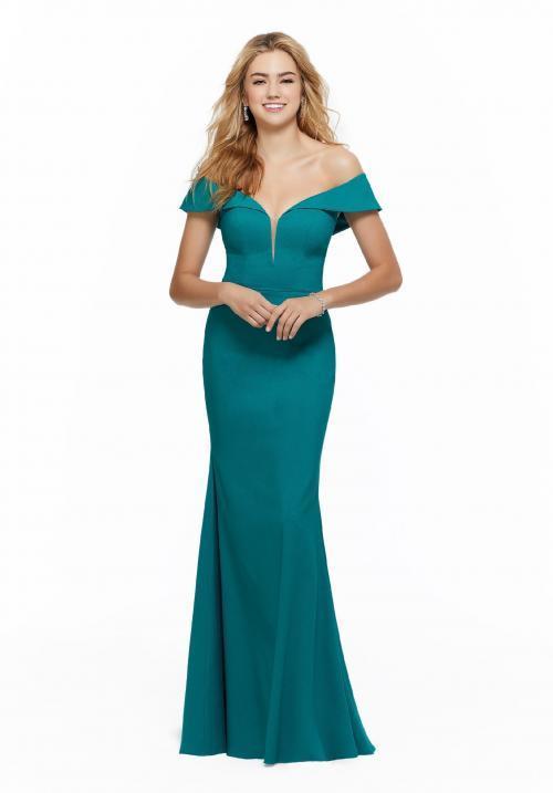 Langes Kleid mit Carmen-Ausschnitt im Fit-and-Flare-Stil von Fara Fiesta in Grün