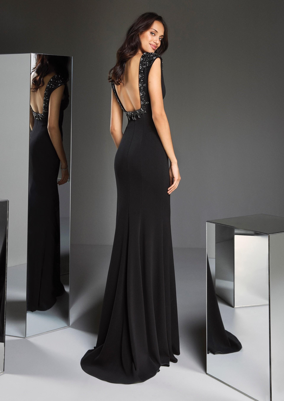 Figurbetontes Kleid in Schwarz mit tiefem V-Ausschnitt und ...
