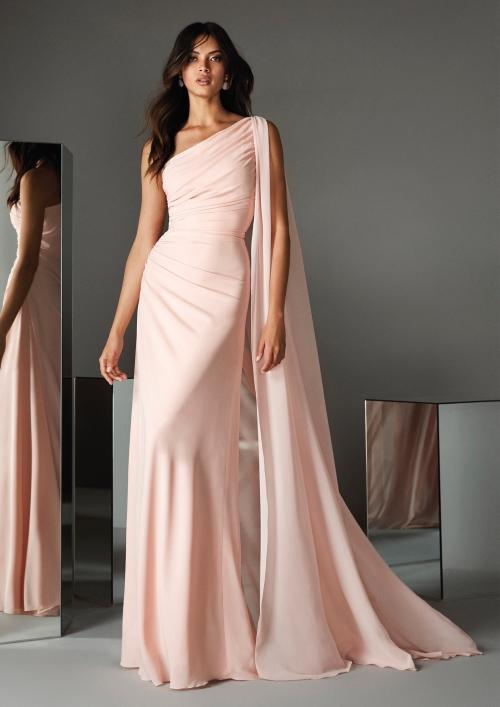 Kleid in Hellrosa mit einseitig schulterfreiem Ausschnitt, Drapierung und Cape-Effekt von Pronovias