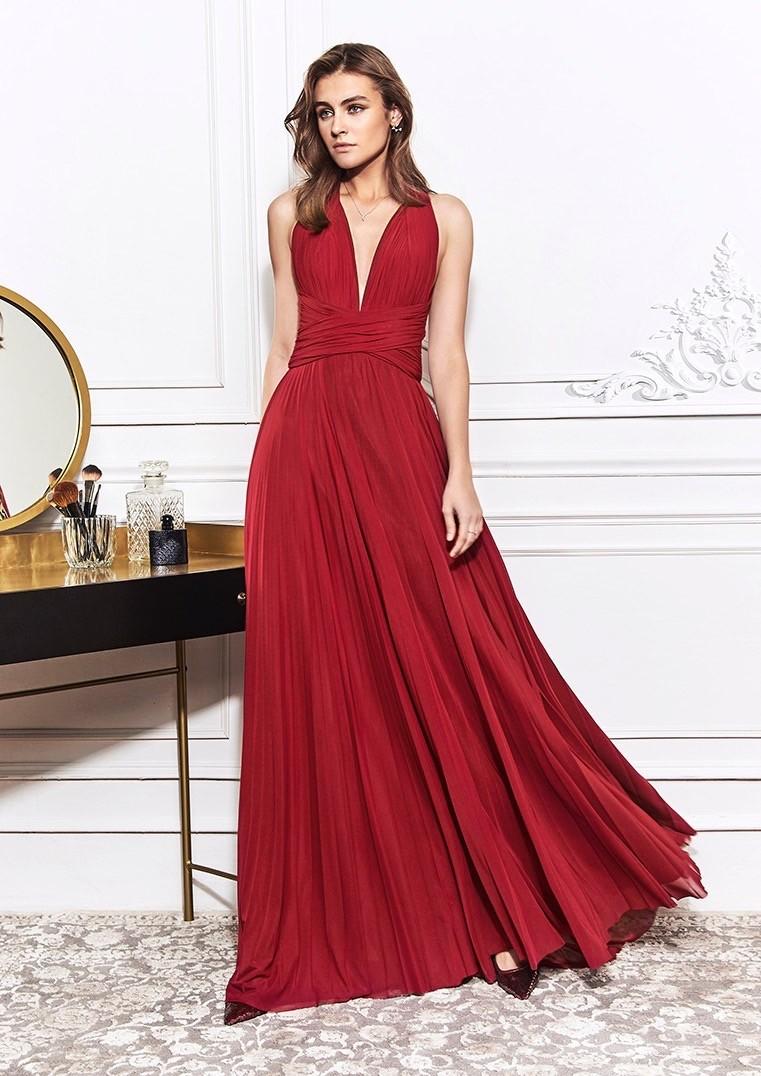 Kleid mit Plisseerock, Neckholder-Ausschnitt und überkreuztem Rückenausschnitt von St.Patrick in Rot