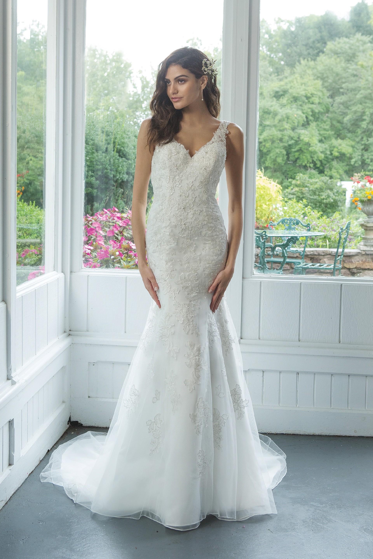 Modell 11067 aus Brautmoden-Kollektion Herbst 2019 von Sweetheart