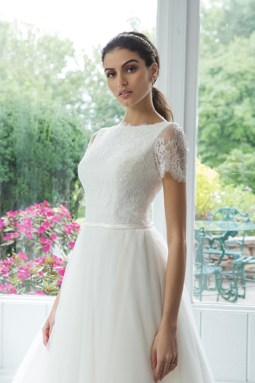 Modell 11072 aus Brautmoden-Kollektion Herbst 2019 von Sweetheart