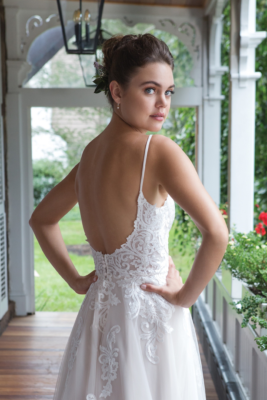 Modell 11084 aus Brautmoden-Kollektion Herbst 2019 von Sweetheart