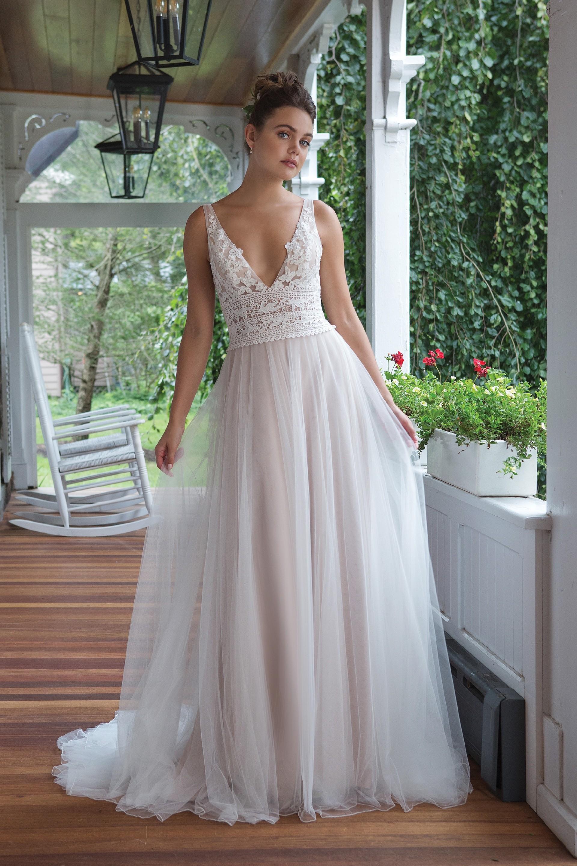 Modell 11089 aus Brautmoden-Kollektion Herbst 2019 von Sweetheart