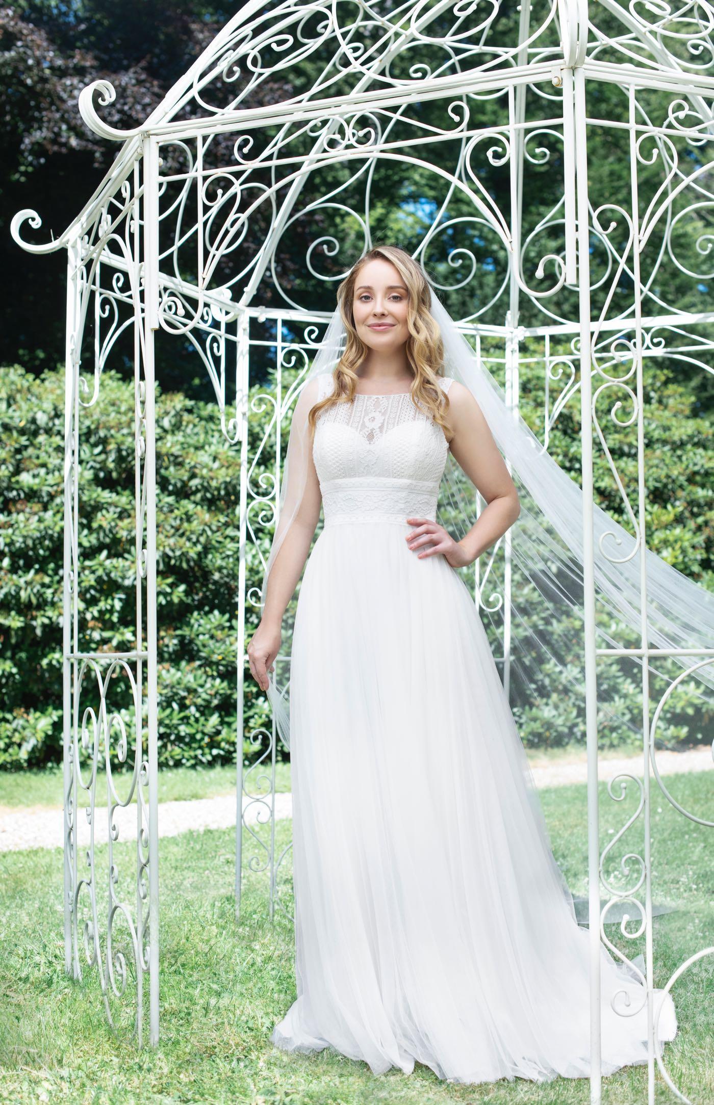 Weise Brautmode Brautkleid Modell 336762